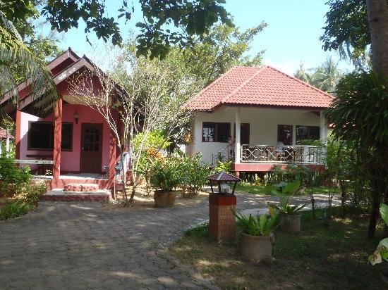 Lanta Sea House Resort: L-Superior Bungalow R-Superior Garden (Connection Bungalow)