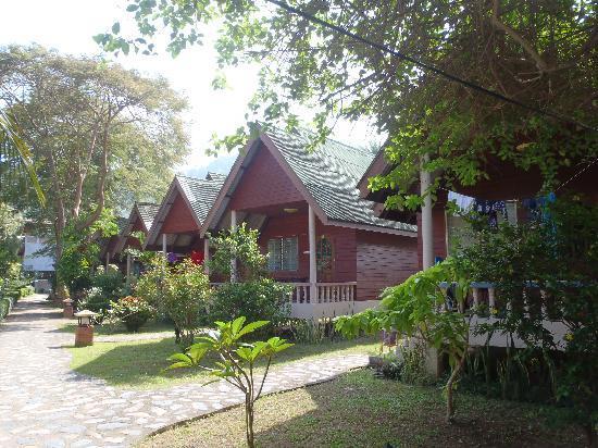 Lanta Sea House Resort: Superior Garden Rooms area