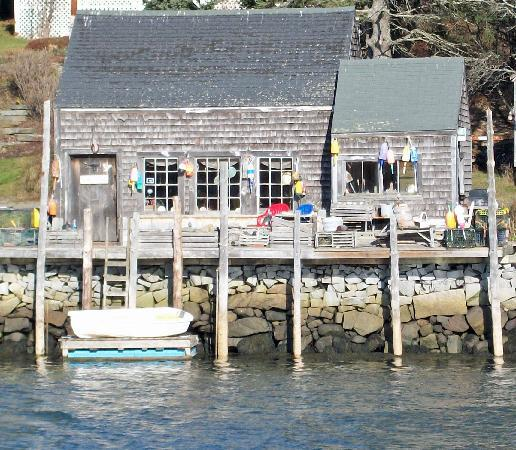 The Lindsey Hotel : Fishing village near by