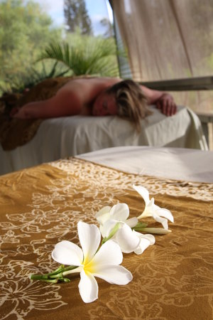 Wailea Massage and Body Care : OUTSIDE OCEANVIEW MASSAGE feel the warm breezes enjoy the chirping birds