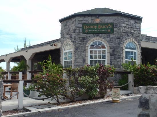 Seven Stars Resort & Spa: Irish pub about a five minute walk right of the hotel.