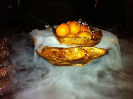 Pure Lotus Vegetarian (Changhong Qiao): апельсины