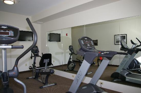 Sleep Inn & Suites Harbour Pointe: Stay Fit in our Fitness Center