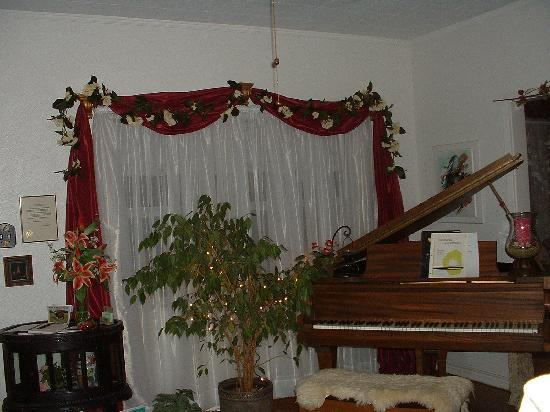 September Song Bed and Breakfast: Parlor with Baby Grand Piano