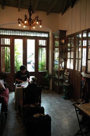 The Bhuthorn: Lobby