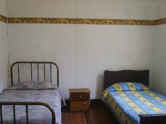 Hostal Donde la Cucha: habitacion 3 valor 15.000