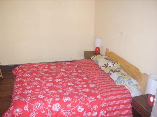Hostal Donde la Cucha: habitacion 4 $12.000