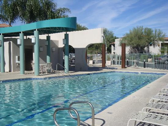 The Golf Villas at Oro Valley: pool area