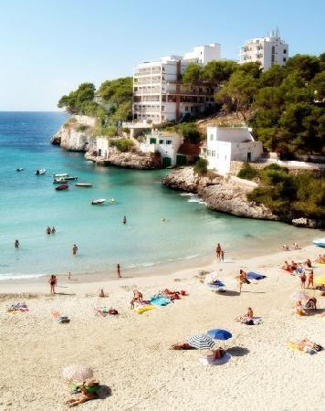 Cala Santanyi, สเปน: Vista panorámica desde la playa