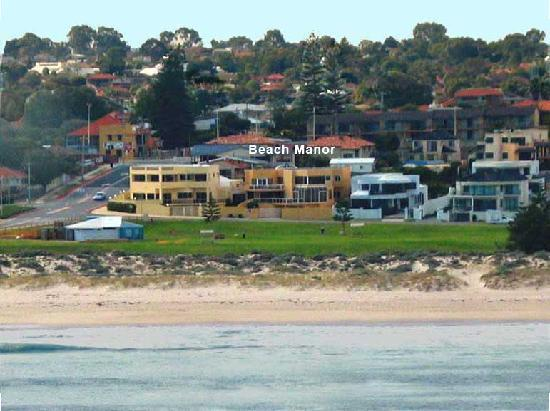 Beach Manor Bed and Breakfast Perth: Beach Manor beachfront location