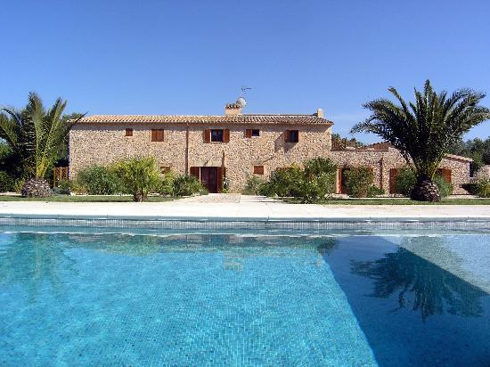 Selva, Spain: Haus mit Pool
