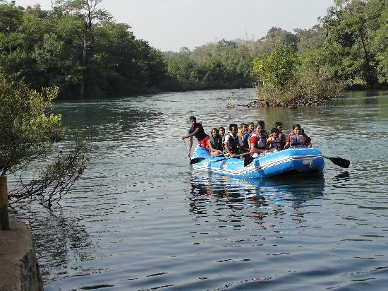 Dandeli, India: River rafting