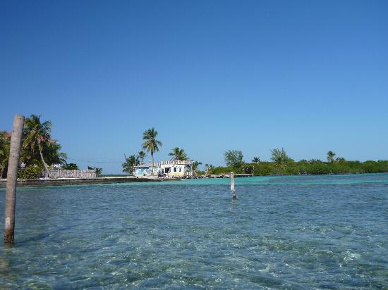 Seaside Cabanas: The Lazy Lizard