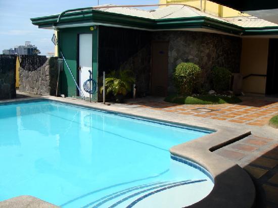 Mango Park Hotel: Pool