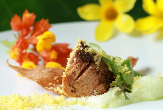 Rosalie Bay Resort : Zamaan Restaurant