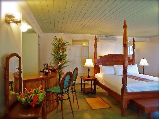 Rosalie Bay Resort : Oceanfront Deluxe