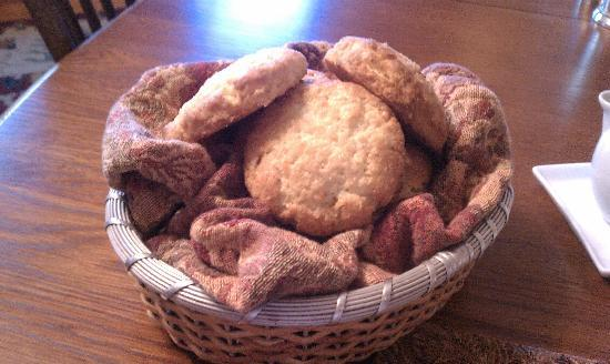 Foster Harris House: Basket of wonderful orange ginger scones