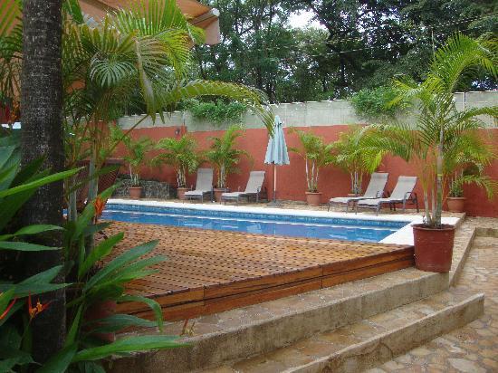 Hotel Arco Iris: the pool area