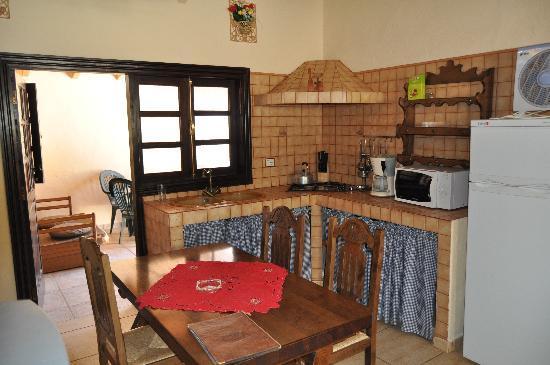 Fataga, España: salón-cocina
