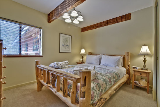 Cedar Springs Bed and Breakfast Lodge : Cozy for two