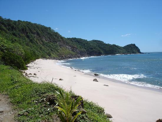 Tola, Nikaragua: Playa Escondido (left side)