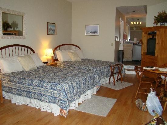 Shaker Mill Inn: Catamount Room