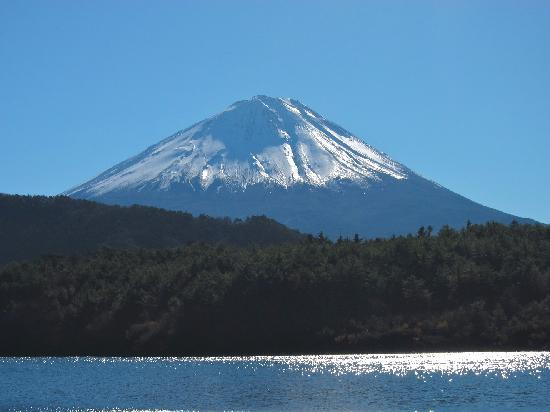Mount Fuji: Fuji from Lake Saiko