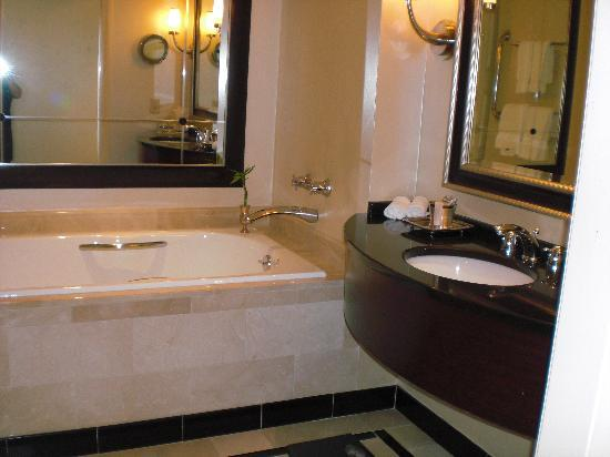 Bathroom picture of intercontinental buckhead atlanta Bathroom design centers atlanta