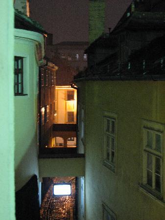 APLEND CITY Hotel Michalska: Bastovo St looking towards Michalska - from the hotel 2nd floor