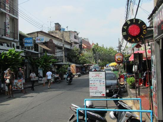 Sleep Withinn: Rambuttri Road boasts a wealth of good food and entertainment at *bargain* prices!