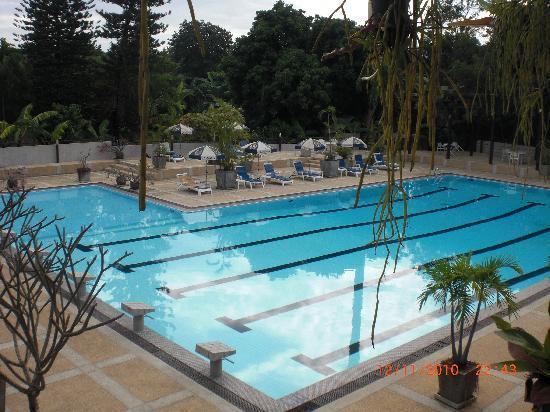 Eco Resort Chiang Mai: pool side