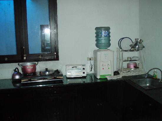 Abimanyu Villas: Inadequate kitchen