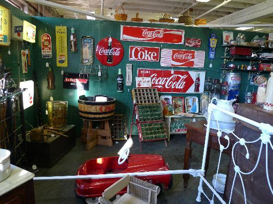 Bloomington Antique Mall: Lots of interesting and unique stuff!