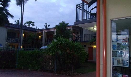 Tropical Queenslander Cairns Holiday Studio & Apartment: 2階建てのホテルでした