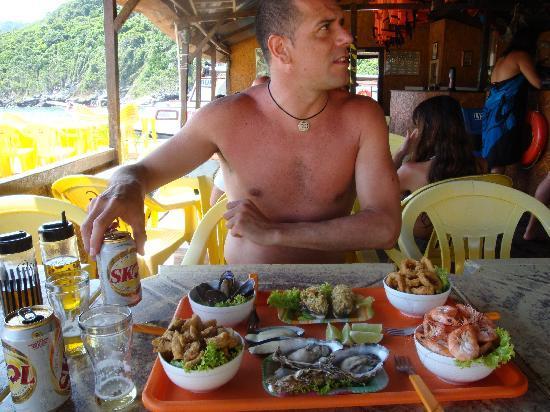 Prainhas do Pontal do Atalaia : Almuerzo en Restaurante flotante