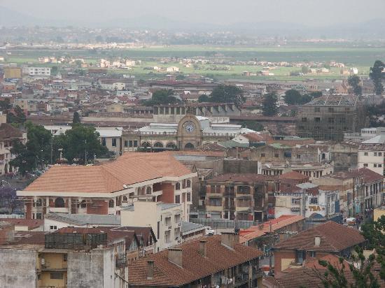 Hotel & Spa Palissandre: vue sur la ville et l'ancienne gare