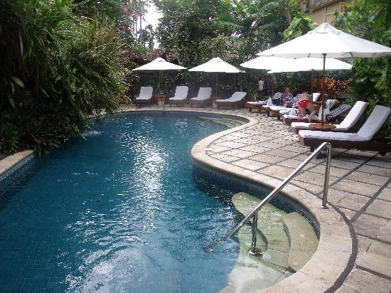Karma Royal Jimbaran: Small but good pool