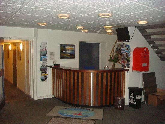Hotel Nuuk Seamen's Home: reception area