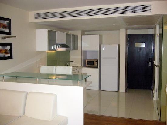 St Laurn Suites: Kitchen