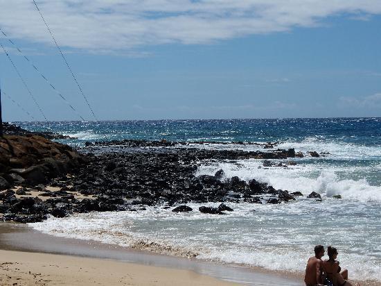 Hale Pohaku Beachside Resort: Beautiful beach within a 2 minute walk
