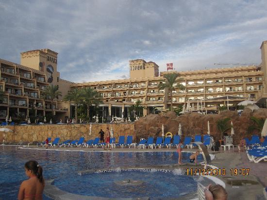 ClubHotel Riu Buena Vista : The main building from the heated pool
