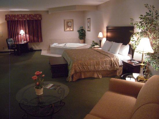 Cocca's Inns & Suites Albany Airport: Interior Executive Suite