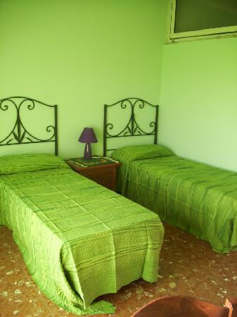 Il Tramonto B&B: Green room