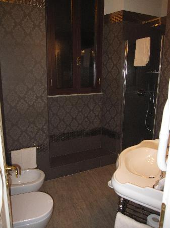 Locanda del Sole Luxury Suite Rome: Very nice bathroom