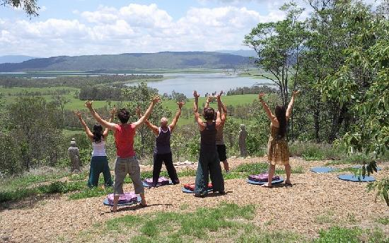 Weltevreden Domes Retreat: Relaxing meditations a top Burrendon Mountain overlooking the Wivenhoe Dam at Weltevreden Domes