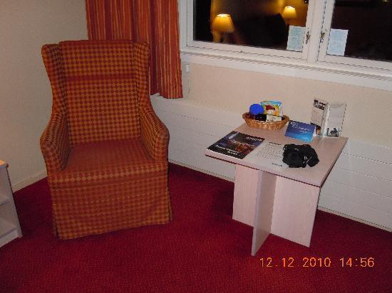 Radisson Blu Polar Hotel, Spitsbergen, Longyearbyen: Superior Zimmer - Sitzecke