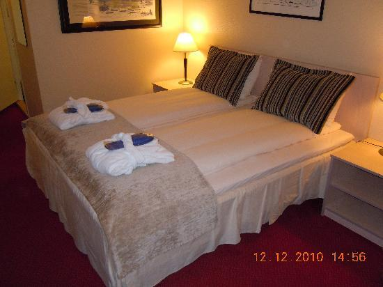 Radisson Blu Polar Hotel, Spitsbergen, Longyearbyen: Superior Zimmer - King Size-Bett
