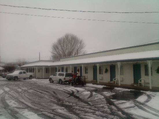 Apple Inn Motel : View of main building