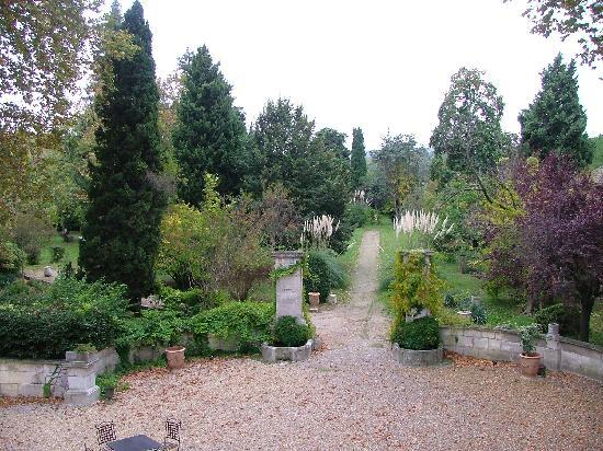 Chateau de Roussan: The Gardens