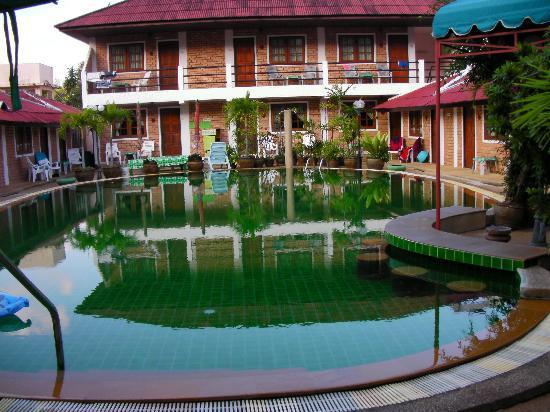 The Kata Resort : The green swimming pool